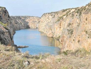 Mina lago barruecopardo